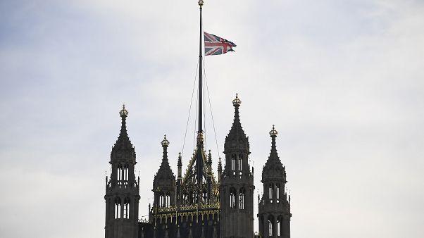 Βρετανία: Αυστηρότερες ποινές για τους δράστες τρομοκρατικών ενεργειών