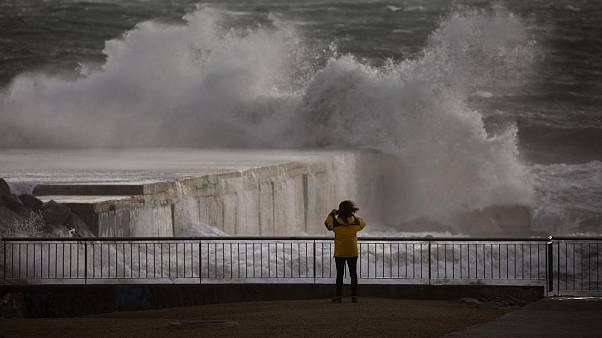 Storm Gloria kills at least 3 in Spain and disrupts travel