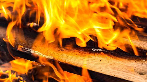 مقتل 11 شخصا في حريق بمسكن لمهاجرين في سيبيريا