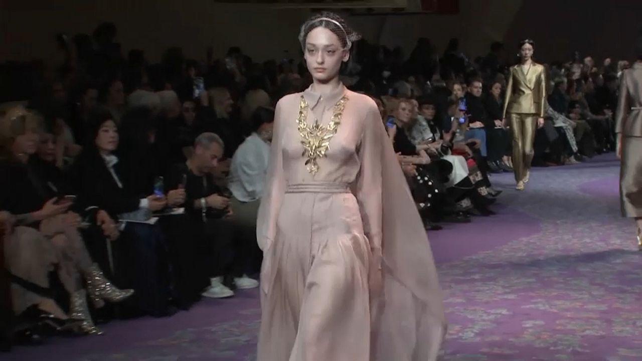 Deusas do Olimpo na semana da moda de Paris
