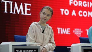 الناشطة غريتا ثونبرج قبل الجلسة الافتتاحية للمنتدى الاقتصادي العالمي في دافوس 21/01/2020،