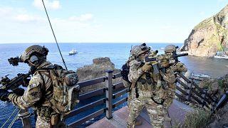 كوريا الجنوبية ترسل مدمرة وجنودا إلى مضيق هرمز