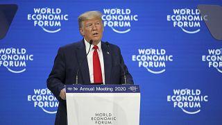 Тунберг обвиняет политиков, Трамп критикует экоактивистов