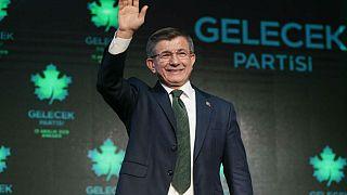 Eski Başbakan Davutoğlu'nun kurucuları arasında olduğu Bilim ve Sanat Vakfı'na kayyım atandı