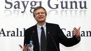 Prof. Dr. DANI RODRIK