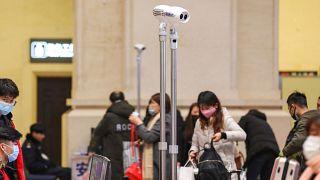 Caméras thermiques installées en gare de Wuhan, le 21 janvier