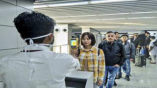 Havalimanında koronavirüs kontrolü