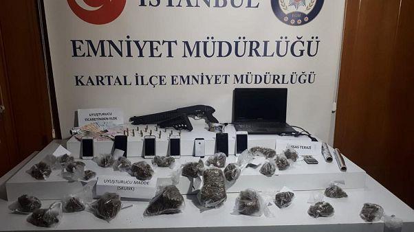 İstanbul'da gerçekleştirilen operasyonda, 1 kilo 361 gram uyuşturucu madde ele geçirildi
