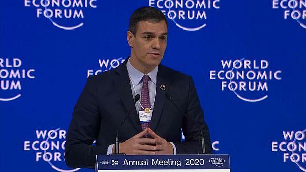 """Sánchez defiende en Davos la """"justicia fiscal"""" y propone más integración para Latinoamérica"""