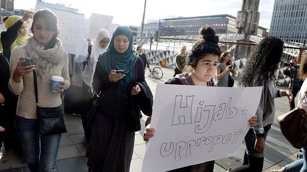 İsveç'te başörtüsüne destek eylemi