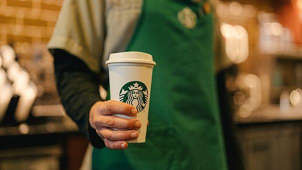 Starbucks, 2030 yılına kadar karbon emisyonunu yarıya düşürmeyi hedefliyor
