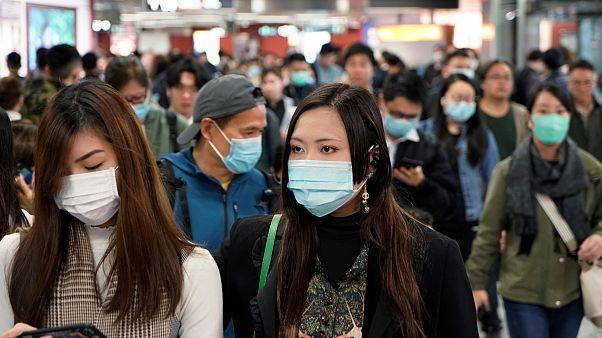 Çin'de koronavirüsüne karşı maske satışı patladı, stoklar tükeniyor