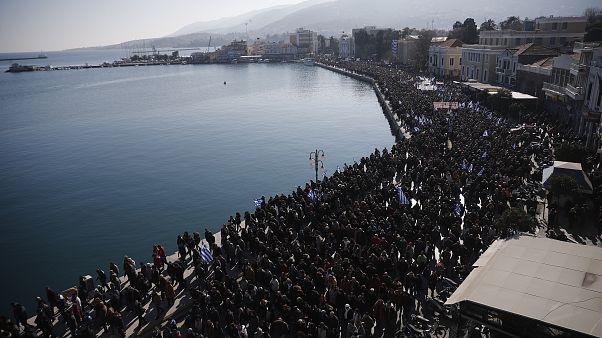 Yunanistan'daki Midilli, Sakız ve Sisam adalarında, kamu kurumları göçmen krizine dikkati çekmek amacıyla bir günlük greve gitti