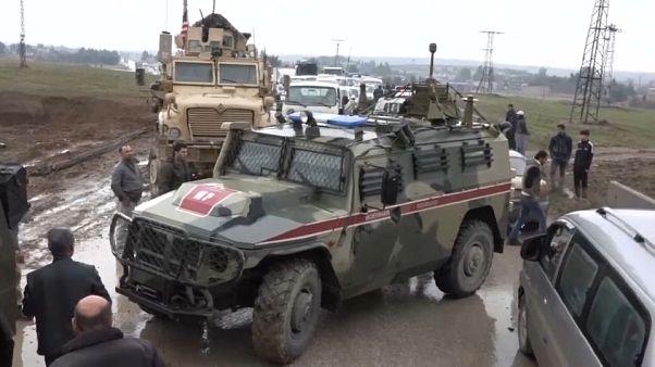 ABD zırhlıları, Rus askeri aracını durdurdu