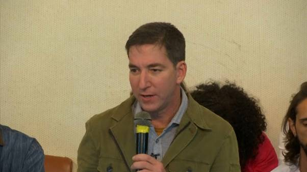Aumentam as condenações à denuncia contra Glenn Greenwald