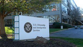 اداره خدمات شهروندی و مهاجرت آمریکا