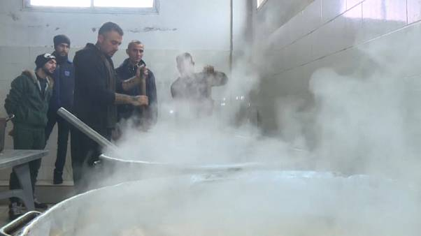 """""""الشيف روبيو"""" داخل مطبخ سجن في قطاع غزة"""