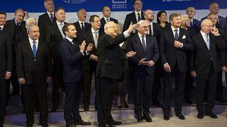 Yaklaşık 40 devlet ve hükümet başkanı Kudüs'e gelerek Auschwitz'in kurtuluşunun 75. yıl dönümü anma törenine katıldı
