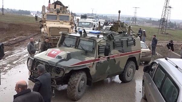 سوریه؛ آمریکاییها جلوی حرکت کاروان نظامی روسیه به مرز عراق را سد کردند