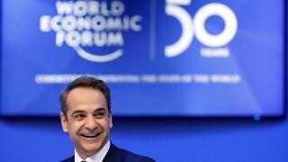 Davos: nem enyhül a menekültválság