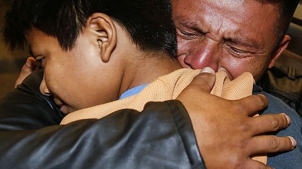 Kilenc guatemalai szülő láthatta újra tőle elválasztott gyermekét