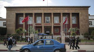 أمام مقر البرلمان المغربي في الرباط