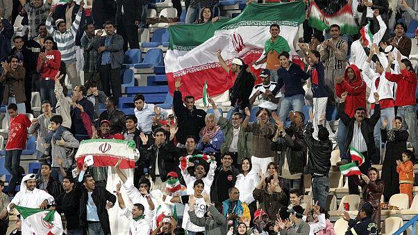تماشاگران ایرانی در بازی ایران و کره شمالی، دوحه قطر ۲۰۰۶ میلادی