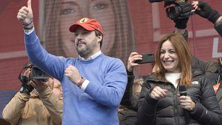 İtalya'da Tunuslu aileye 'Siz uyuşturucu mu satıyorsunuz' diye soran Salvini'ye tepki