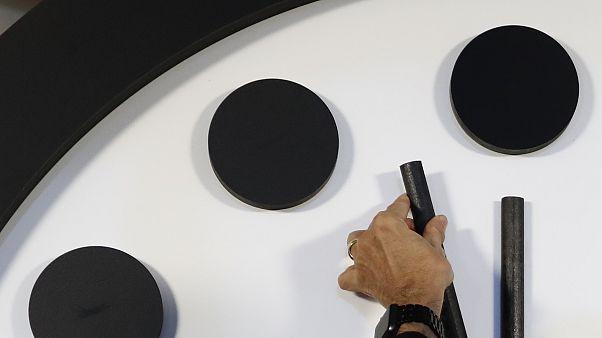 Cientistas dão 100 segundos para o fim do mundo