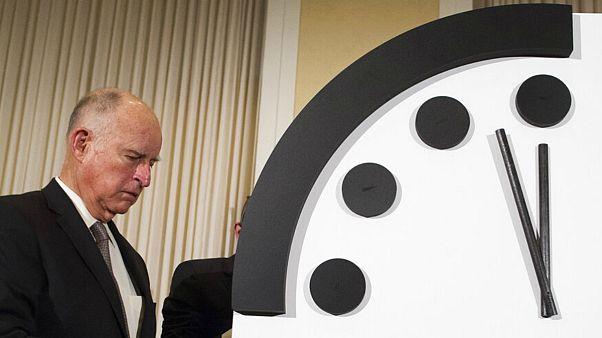 ساعت آخرالزمان؛ بشر از همیشه به پایان کار نزدیکتر است