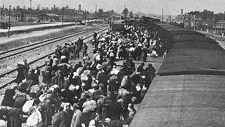 روایت شاهدان و بازماندگان هولوکاست از اردوگاه مرگ آشویتس