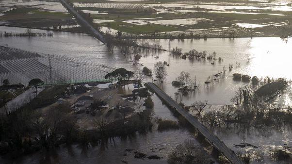 إسبانيا: ارتفاع حصيلة ضحايا العاصفة غلوريا إلى 11 قتيلا