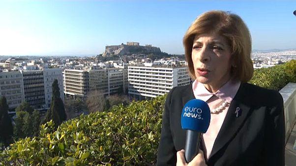 """La comisaria de Salud de la UE subraya que """"hay que mantener la calma"""" respecto al coronavirus"""