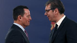 ABD özel temsilcisi Richard Grenell (solda), Sırbistan Cumhurbaşkanı Aleksandar Vucic