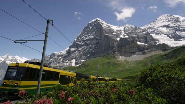 Les Alpes suisses se réinventent pour attirer les touristes et retenir leur population