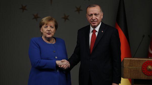 Angela Merkel et Recep Tayyip Erdogan s'entretiennent sur les dossiers de la Libye et de la Syrie