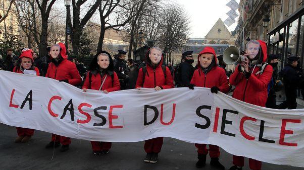 """Французы по-прежнему против """"ограбления века"""""""