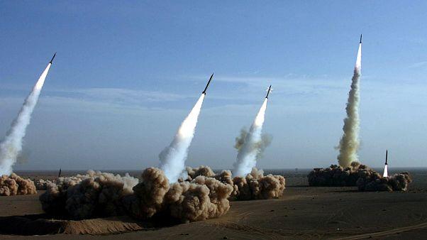 عکسی تزیینی از رزمایش موشکی ایران