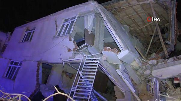 Erdbeben in der Osttürkei: Mehrere Tote und Hunderte Verletzte