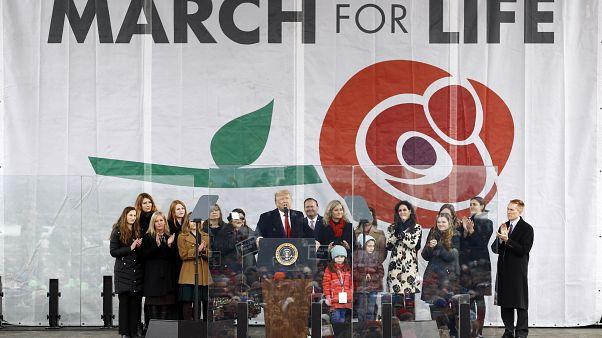 Трамп лично поддержал противников абортов
