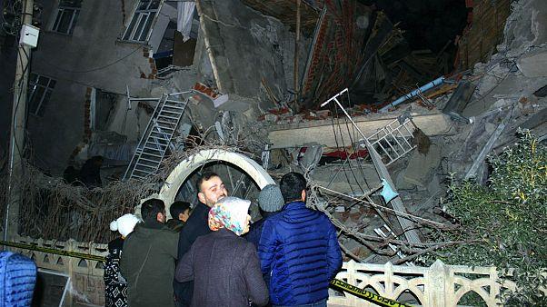 زلزله ۶.۸ ریشتری شرق ترکیه؛ دستکم ۲۲ نفر کشته شدند