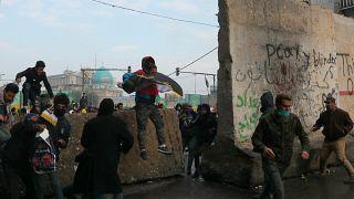 درگیری معترضان ضد دولتی با پلیس عراق ۳ کشته بر جای گذاشت
