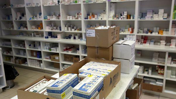 Φάρμακα σε ράφια