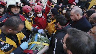 Terremoto in Turchia: Erdogan promette aiuti