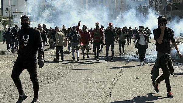 درگیری معترضان با نیروهای امنیتی در بغداد
