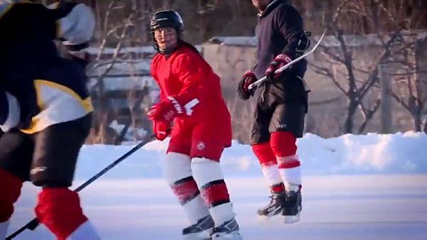 Kirghizistan , prima squadra di hockey su ghiaccio femminile