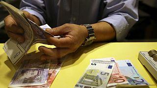 تعقیب و گریز بانک مرکزی و نرخ دلار آزاد؛  یورو ۱۵ هزار تومان