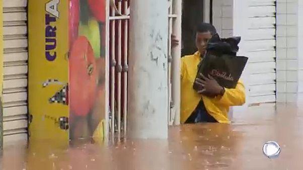 Inundações e deslizamentos de terras provocam mais de 40 mortos em Minas Gerais