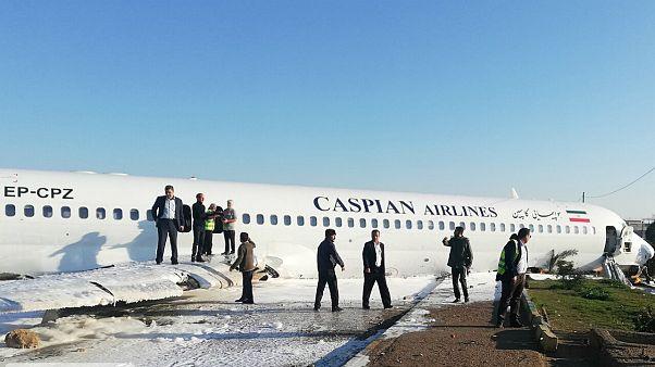 هواپیمای مسافربری در فرودگاه ماهشهر از باند خارج شد
