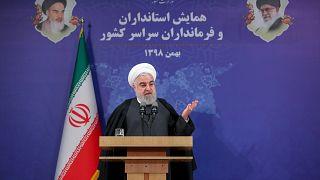انتقادات تند روحانی: نظام سلطنتی و کمونیستی نیستیم که فقط حزب رستاخیز و کمونیسم داشته باشیم